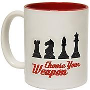 Produktbild: 123t Mugs - Keramikbecher mit Slogan CHOOSE YOUR WEAPON Schach mit rotem Interieur