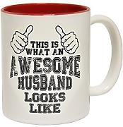 Produktbild: 123t Mugs - Keramikbecher mit Slogan THIS IS WHAT AN AWESOME HUSBAND LOOKS LIKE mit rotem Interieur