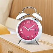 "Produktbild: GoldMice 4"" Quartz Analog Twin Bell Alarm Clock, Silent Bedside Alarm Clock with Nightlight and Loud Alarm (Pink) by GoldMice"