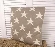 strickkissen grau g nstig online kaufen lionshome. Black Bedroom Furniture Sets. Home Design Ideas